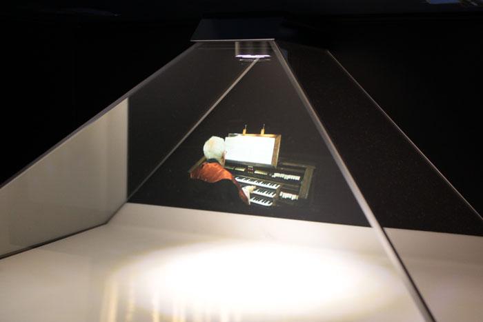 Holografía sincronizada con la grabación en el órgano de la Catedral. Museo Occidens